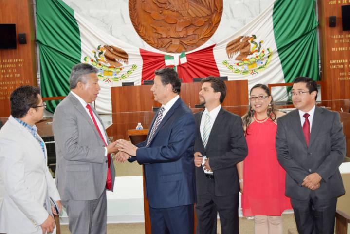 Presentan libro Nuevo Pacto Nacional de Luis Modesto Ponce de León Armenta
