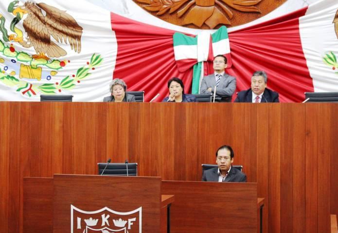 Crean comisión que conocerá denuncia de juicio político contra comisionados del IAPTLAX