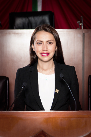 Sandra Corona Padilla rinde informe legislativo