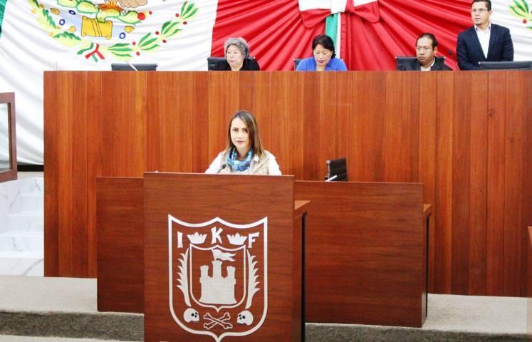 Presenta Sandra Corona convocatoria para integrar Séptimo Parlamento Juvenil