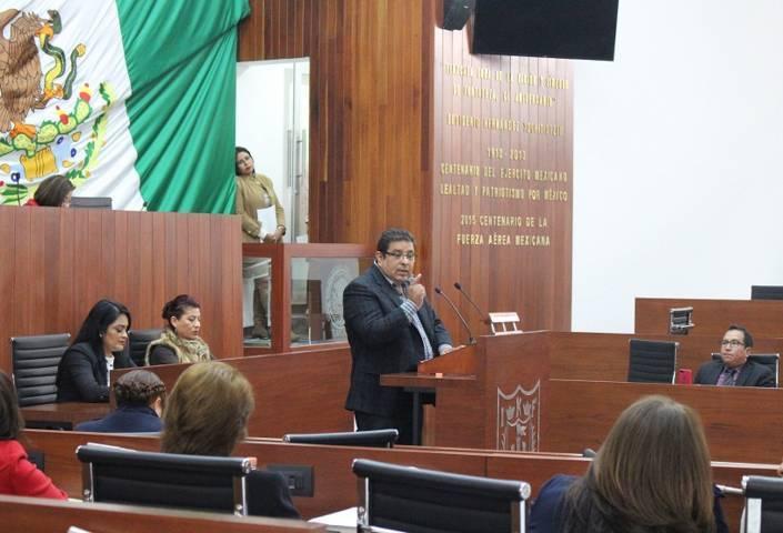 Solicita Víctor Castro especialistas para intervenir a personas con insuficiencia renal