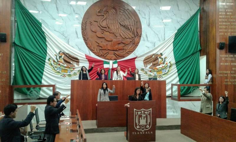 Justicia para las familias de los 43 estudiantes desaparecidos, pide María Félix Pluma