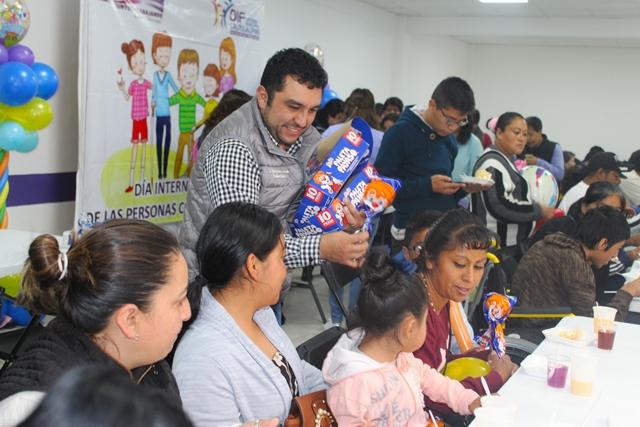 Alcalde de Calpulalpan entrega salón de usos múltiples para abuelitos