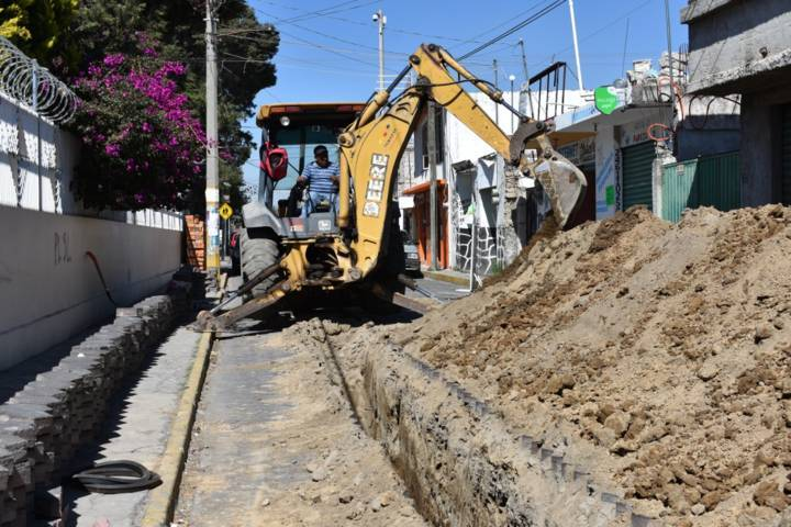 Alcalde previene inundaciones con nuevo drenaje pluvia en la Av. Tlaxcala
