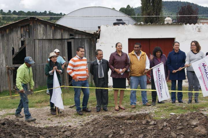 Lilia Olvera da el banderazo para nuevo Kiosco