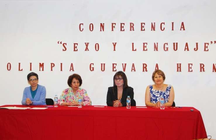 """Se dictó en la UAT la conferencia: """"Sexo y lenguaje"""""""