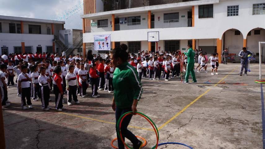 Lleván a cabo activación física en escuela Centro Escolar México, municipio SPM
