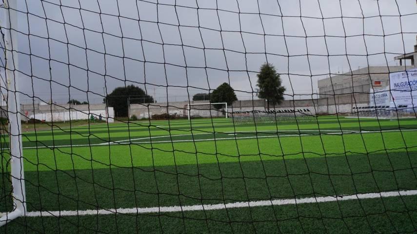 Gobierno Municipal inaugura otro campo de futbol siete en SPM