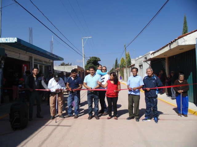 Inauguró CLV pavimentación de calle Francisco I. Madero en Amaxac