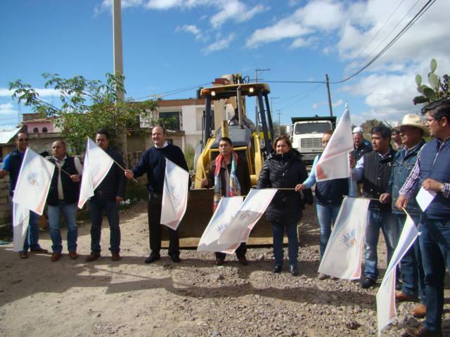 Más obras de bien común en Yauhquemehcan y Contla por gestión de Juan Corral