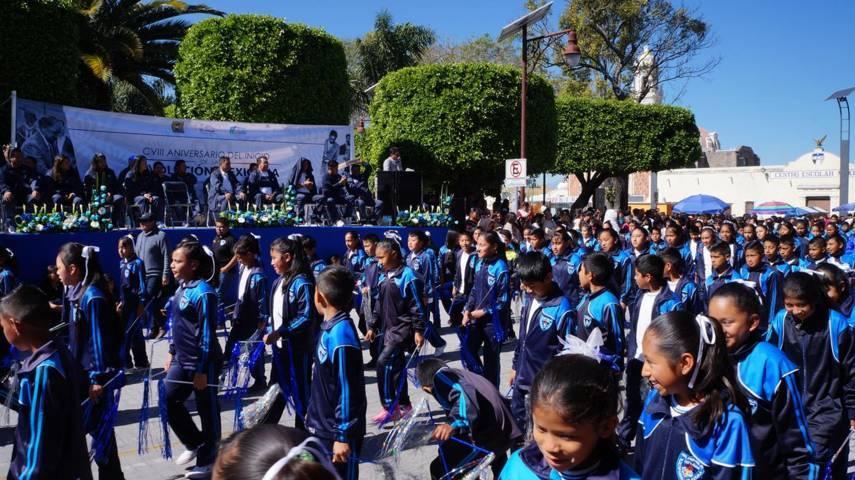 Realizan desfile conmemorativo al CVIII Aniversario De La Revolución Mexicana en SPM