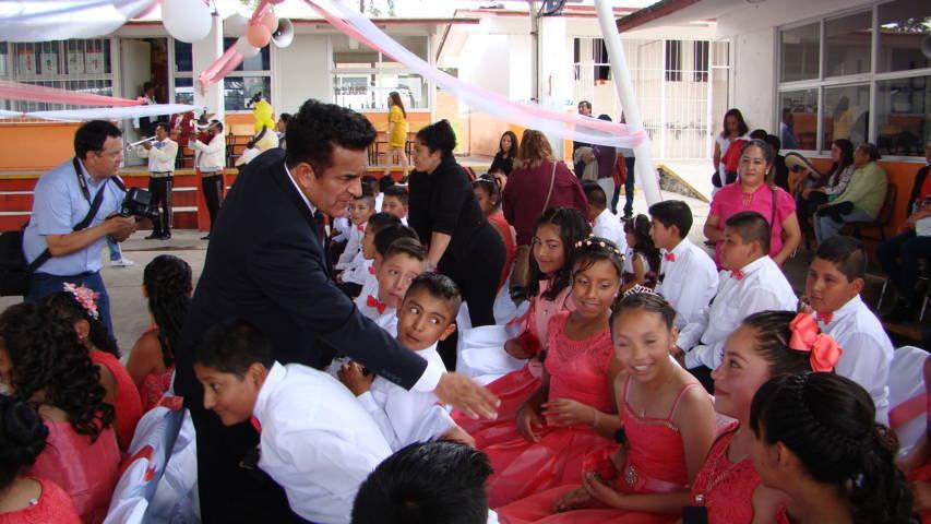 Apoyar el estudio es la mejor herencia para nuestros hijos: Lincoln Rodríguez