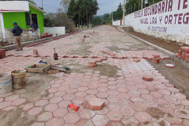 Trasformamos la calle Palo Huérfano con drenaje y pavimento: Carin Molina