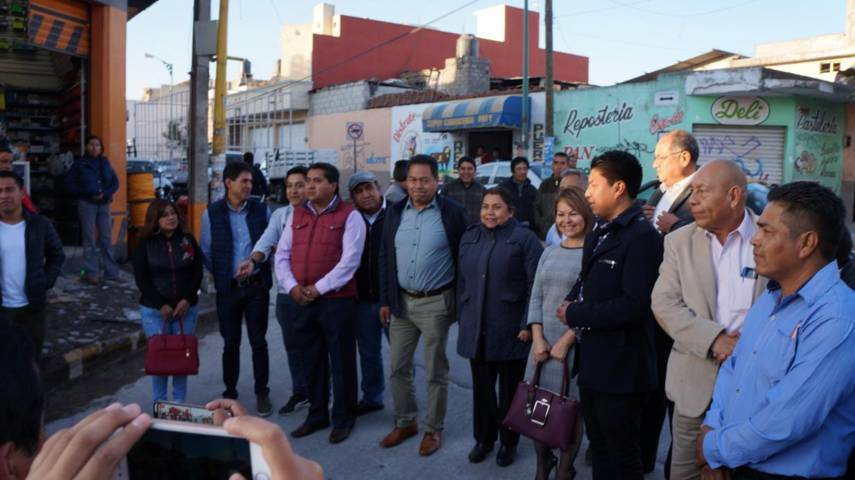 Cutberto Cano Coyotl entrega magna obra de la Calle 20 de Noviembre en SPM