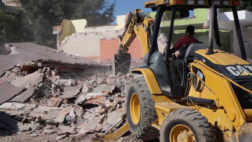 Inicia la demolición de aulas en la escuela de la comunidad de San Cosme