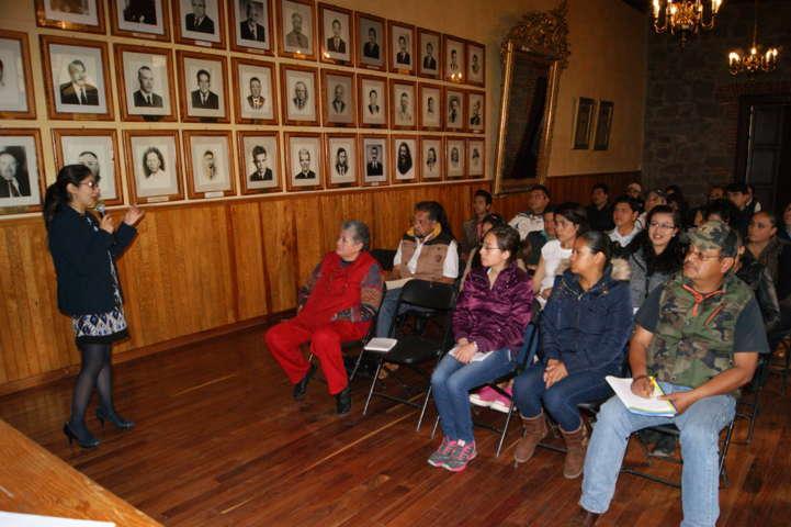 Reciben funcionarios municipales de Tlaxco capacitación por la IAIPTLAX