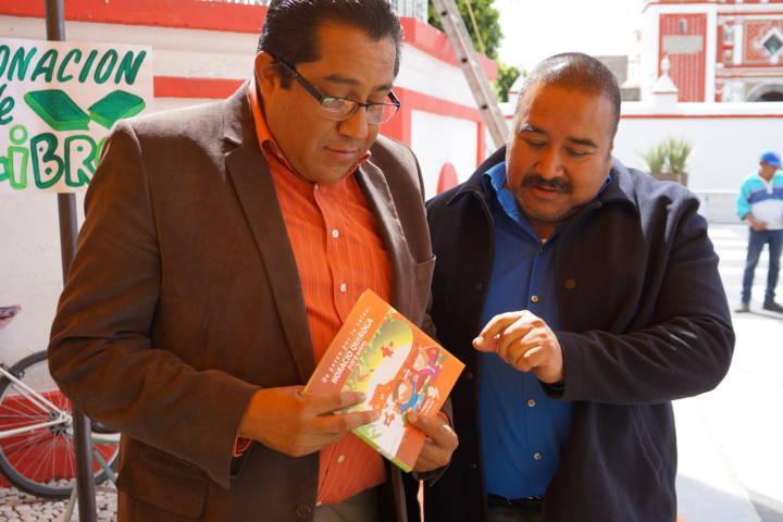 Alcalde fomenta la lectura y el medio ambiente entre niños del municipio