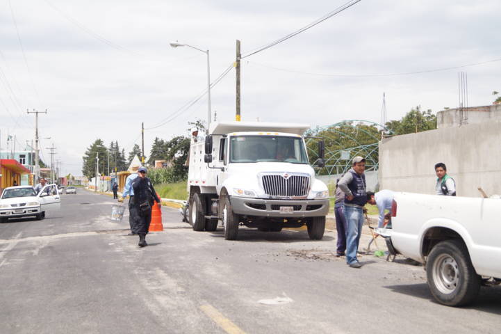 San José Teacalco pone en marcha programa de bacheo