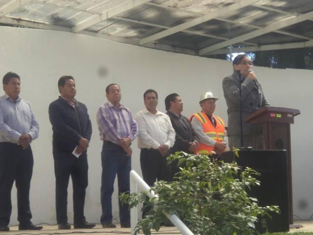 Arrancan obra de cancha de futbol rapido en CBTIS 153 de San Pablo del Monte