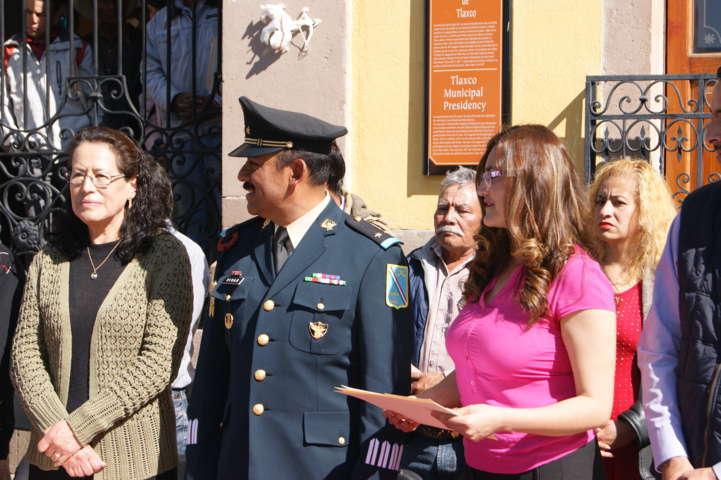 Incluye Tlaxco escuelas de educación especial en celebración del día de La Bandera