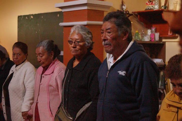 Inapam imparte pláticas a los abuelitos sobre Pérdidas y Duelos
