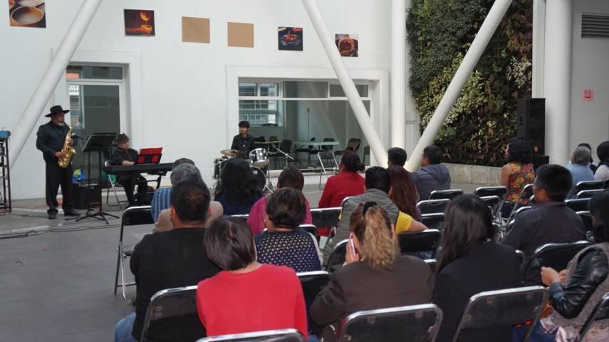 Grupo D'capo de jazz y bolero se presenta en San Pablo del Monte