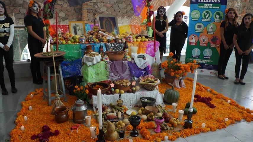 Llevan a cabo primer concurso de ofrendas Nuestra Cultura Vive en San Pablo del Monte