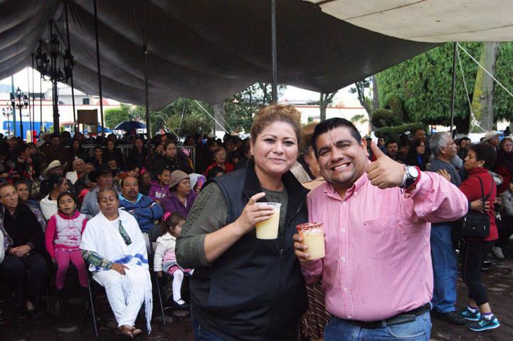 Festejo de enamorados de la edad de oro en la Feria de Tlaxco 2017