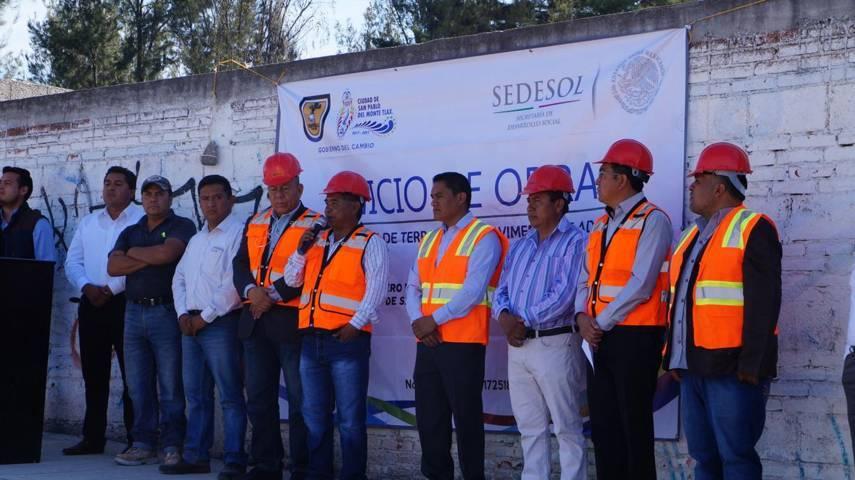 H. Ayuntamiento da banderazo de inicio de obra en la comunidad de San Pedro, San Pablo del Monte