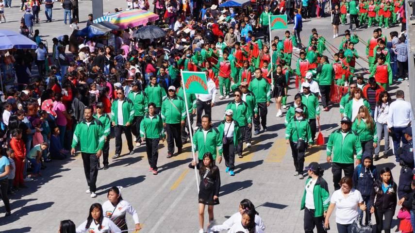 Realizan desfile conmemorativo a CVII Aniversario de la Revolución Mexicana en San Pablo del Monte