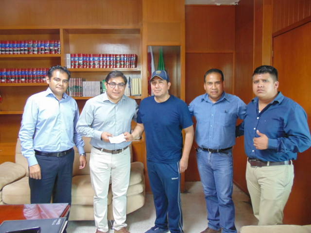 Entrega GPB recursos a la H. Junta Patriótica de Totolac para fiestas patrias