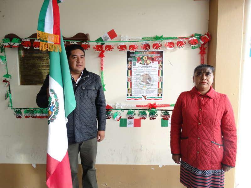 Alcalde coloca Bando Solemne del inicio de fiestas patrias