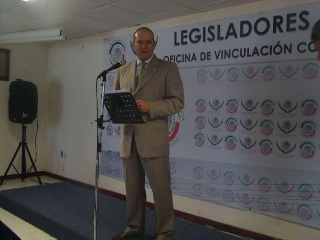 Desmiente Juan Corral que reformas a Ley del Trabajo resten derechos laborales