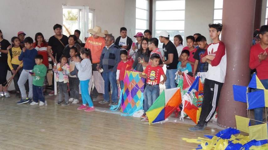 Llevan a cabo concurso de papalote en San Pablo del Monte