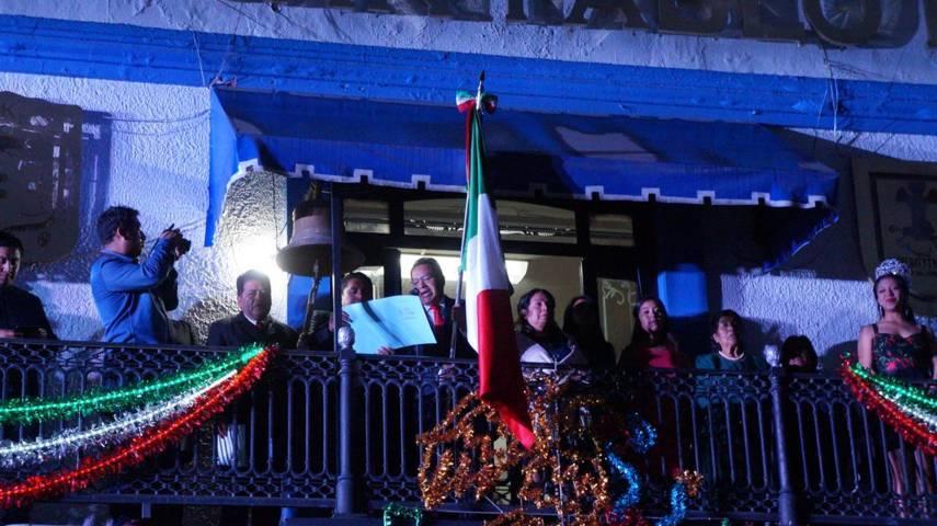 Alcalde da el grito de independencia en San Pablo Del Monte