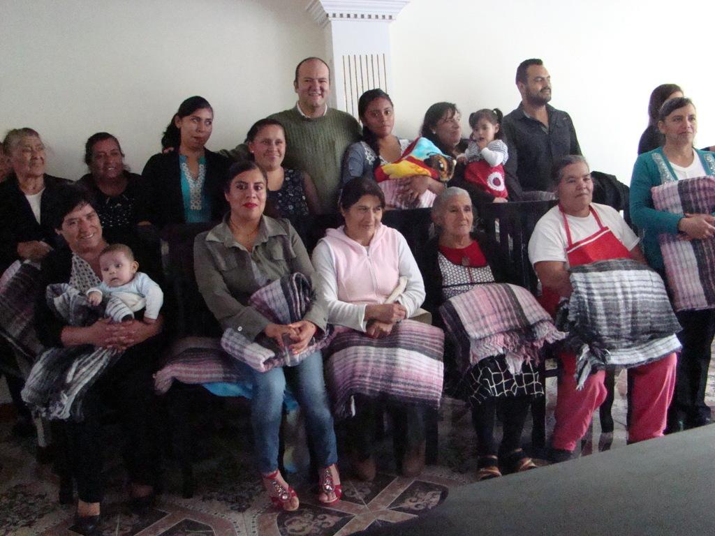Mujeres interesadas en reactivar la maquila en Emiliano Zapata piden gestión de Juan Corral
