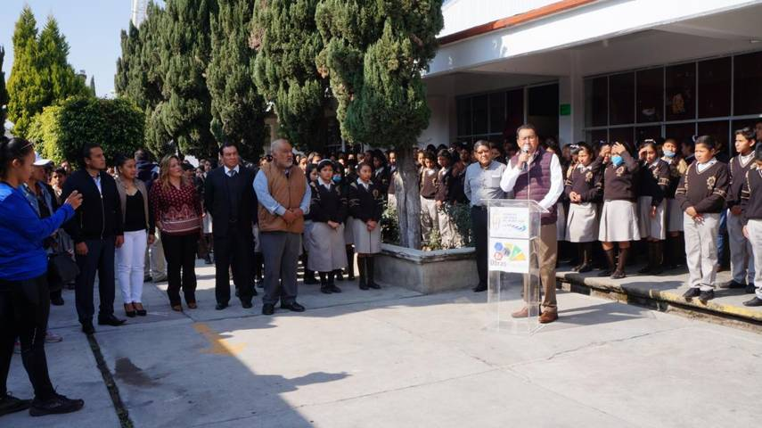 Alumnos de Técnica 25 reciben aulas rehabilitadas en San Pablo del Monte