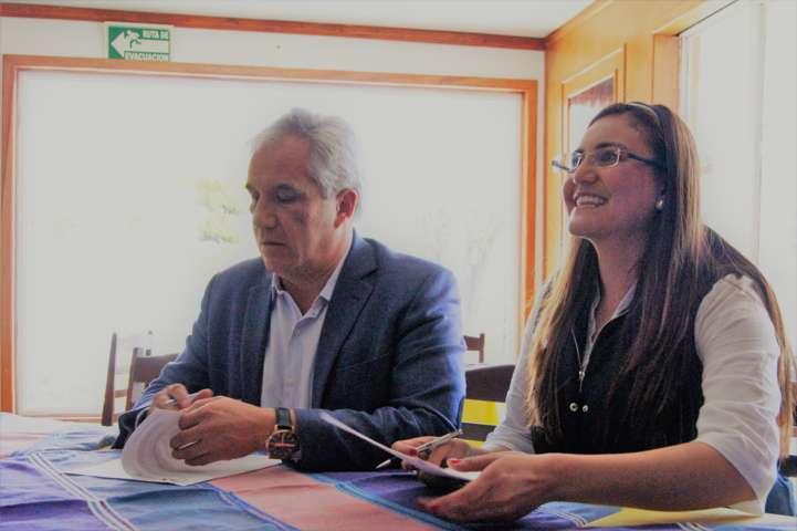 Firma Tlaxco convenio de colaboración para mejorar el servicio de semáforos