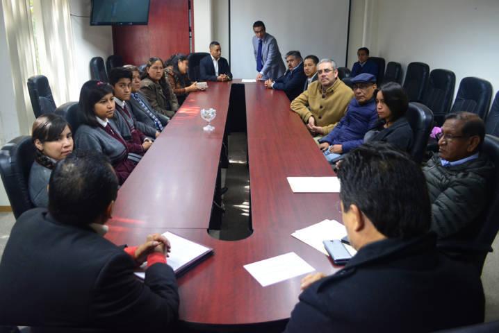 Jóvenes de Tlaxcala asisten a Olimpiadas Nacionales de Física y Biología