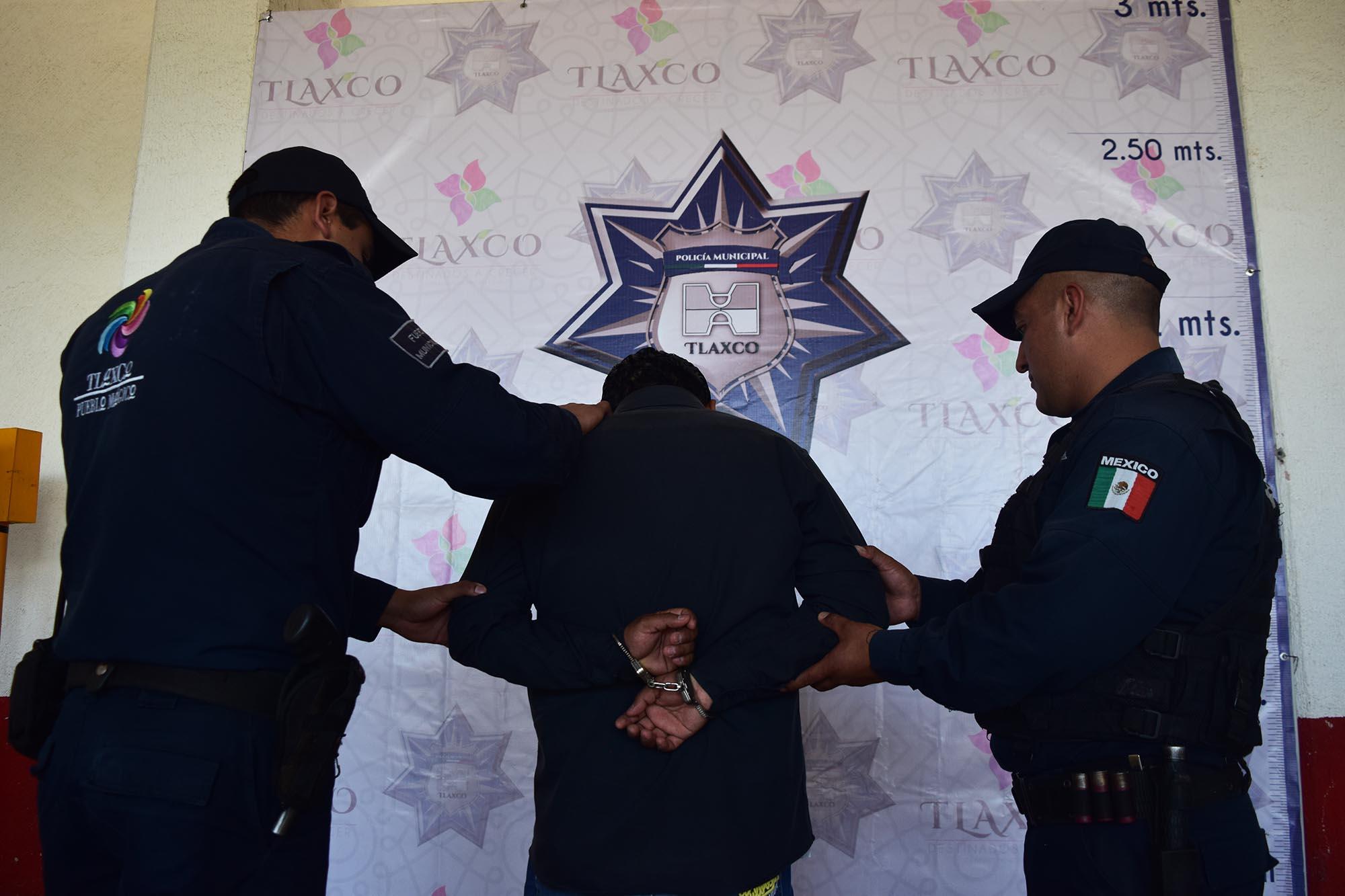 Evita Policía Municipal de Tlaxco robo de camioneta en comunidad de La Rosa