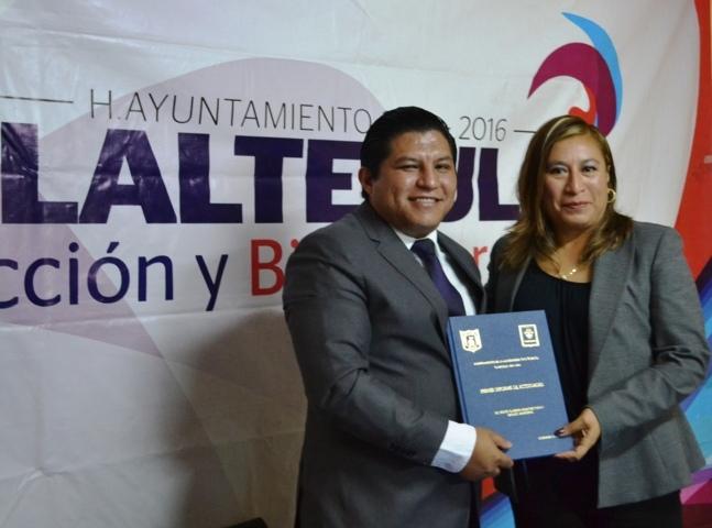 Entrega Miguel Ángel Polvo primer informe de gobierno al cabildo de Tlaltelulco