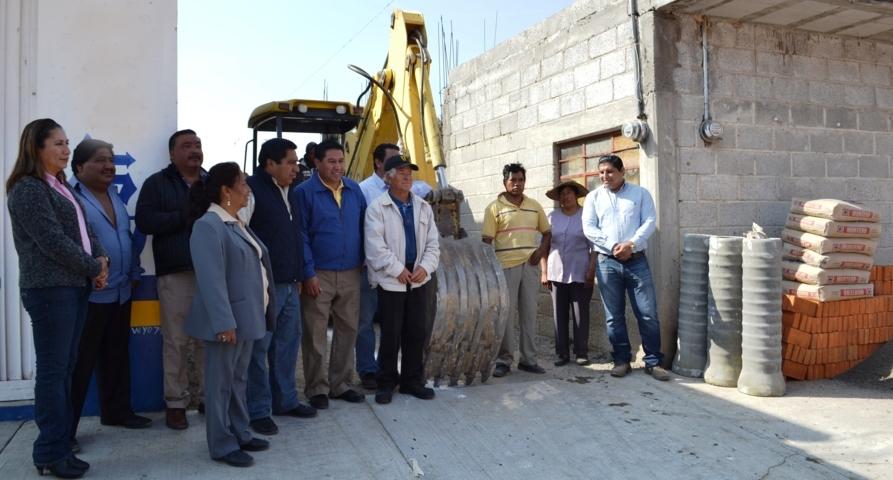 Entrega Polvo Rea infraestructura básica a comunidades de Tlaltelulco