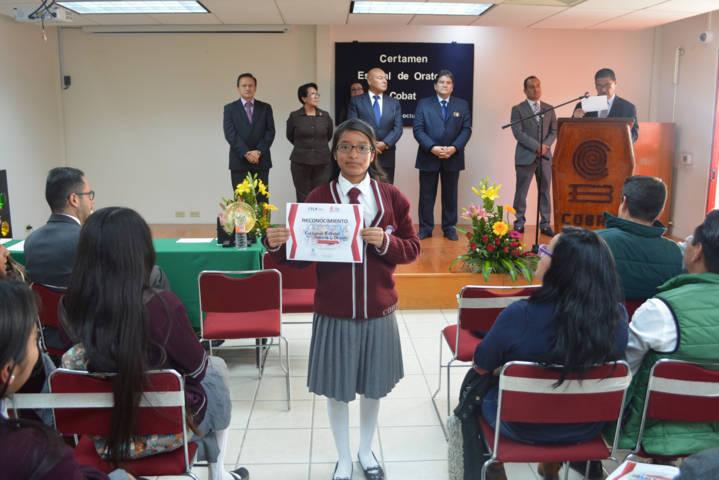 Marlen Díaz Zempoaltecatl gana el XXVIII certamen de oratoria y debate