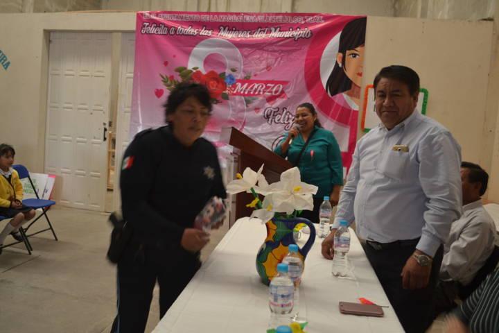 Ayuntamiento y SMDIF festejaron el Día Internacional de la Mujer