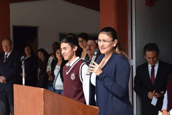 Visita Gardenia Hernández instituciones educativas de Matamoros y Tepeyahualco