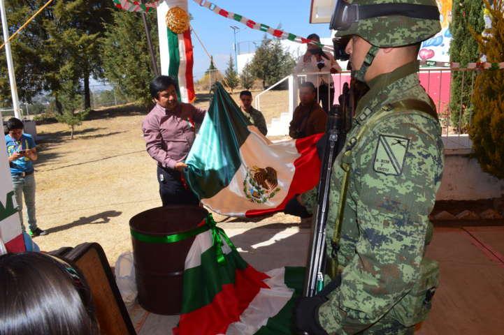 Efectúan ceremonia de Quema de Bandera en Santa Cruz Tlaxcala