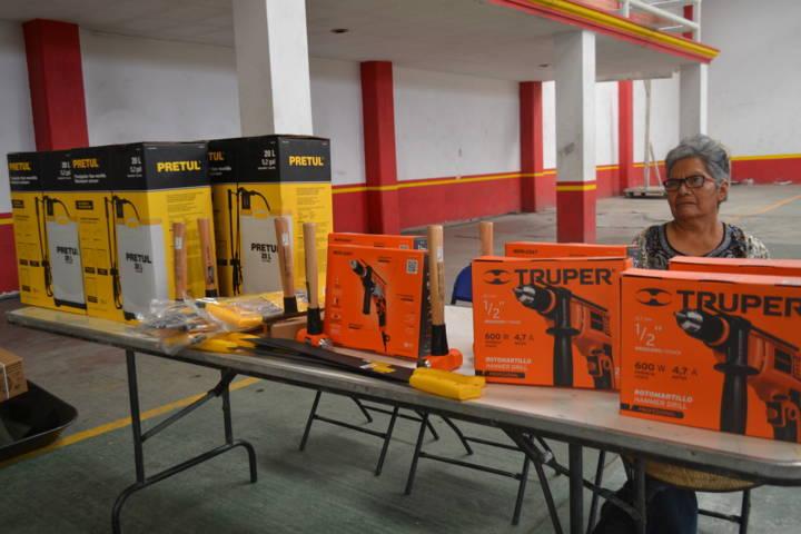 Ayuntamiento oferta herramientas a bajo costo para grupos vulnerables