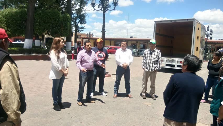 Apoyan en Tlaxco a 206 familias con paquetes de aves de postura