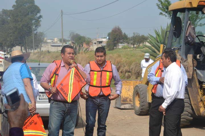 Banderazo de inicio de obra en Tzompantepec