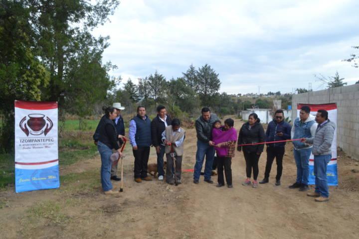 Alcalde enfrenta el rezago social con 7 obras de drenaje sanitario